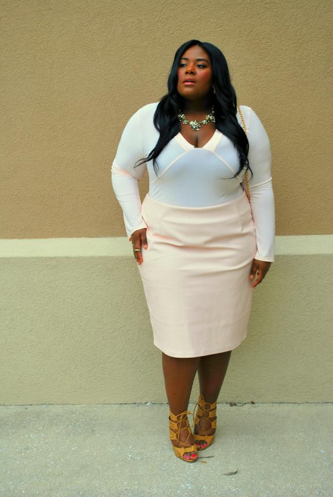 Musings of a Curvy Lady, Plus Size Fashion Blog, Plus Size Fashion, Women's Fashion, OOTD, monochromatic, Statement Necklace, Stella & Lou, Soft Pink, Kim Kardashian Inspired, Soft Neutral Makeup, Curvy, Boohoo, Eloquii, Deb Shops