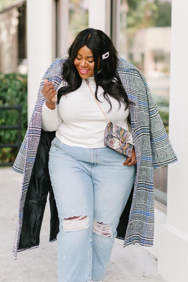 Musings of a Curvy Lady, Plus Size Fashion, Mom Jeans, Plus Size Mom Jeans, Plus Size Jeans, White Booties, Snakeskin Accessories, Pearl Hair Clip, Eloquii, Nordstrom, Walmart Fashion, Fall Fashion, Plus Size Fall Fashion