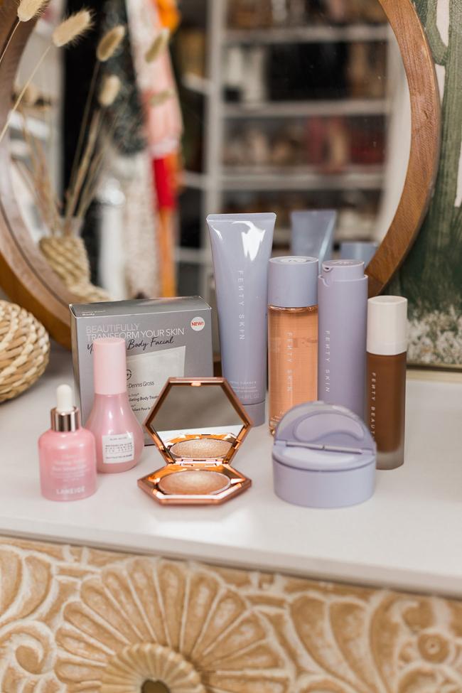 Sephora, January, Eyeshadow, Huda Beauty, Fenty Skin, Fenty Beauty, Glow Recipe, Dr. Dennis Gross, Laneige Glowy Makeup Serum, Desert Dusk Palette, Makeup, Beauty, Putting on makeup