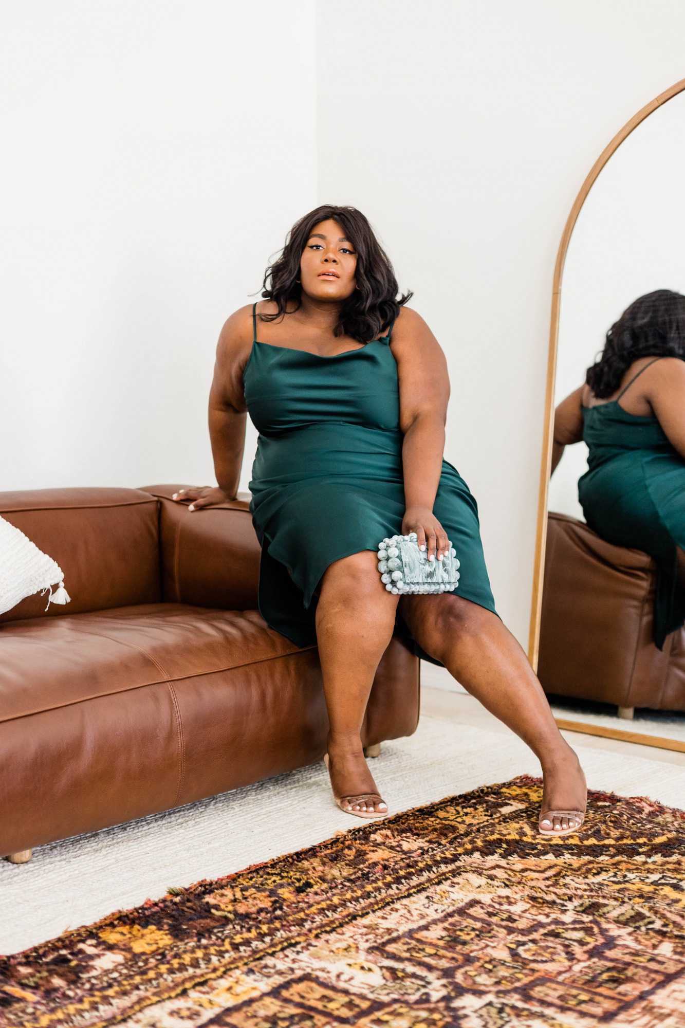 Anthropologie Cali Midi Dress, Plus Size Slip Dress, Plus Size Model, Plus Size Bride, Plus Size Bridesmaid Dress, Plus Size Date Night Outfit Ideas, Leather Couch Model, Urban Outfitters Tabitha Arc Mirror