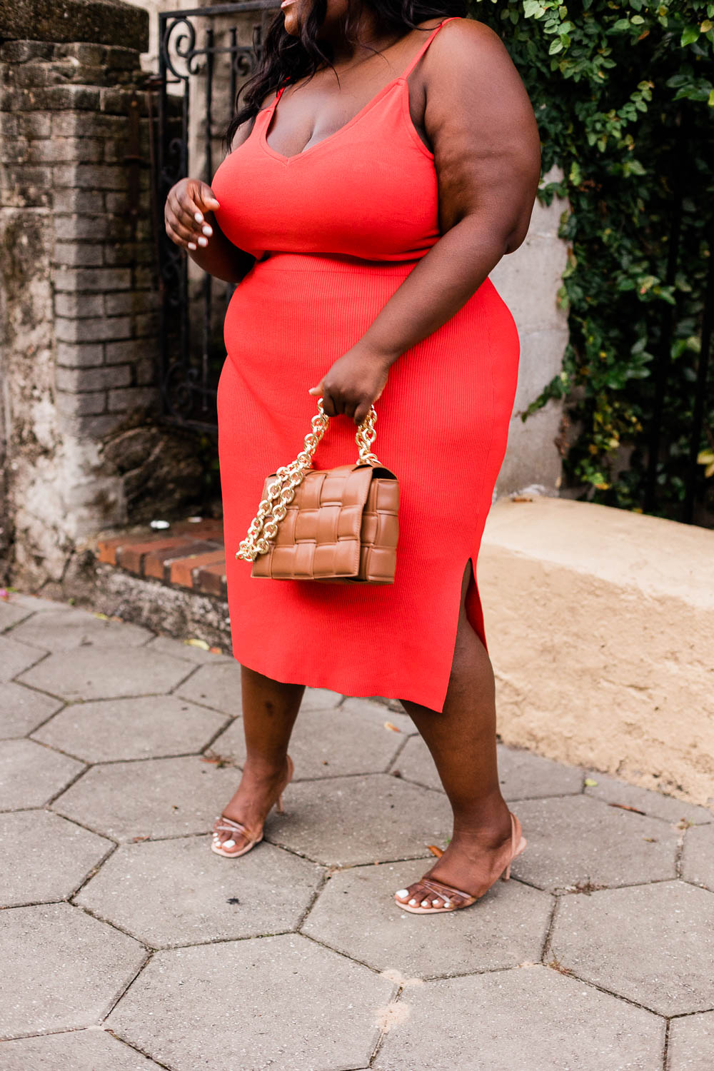 Amazon The Drop, Plus Size Fashion, Amazon The Drop Plus Size Skirt, Amazon the Drop Plus Size Cami, Plus Size Two Piece Set, Black Plus Size Model in Red Dress, Red Two Piece Outfit, Red Outfit Ideas, Bottega Veneta Dupe, Steve Madden Loft Sandals, Summer Fashion Ideas, Plus Size Summer Fashion Outfit Ideas