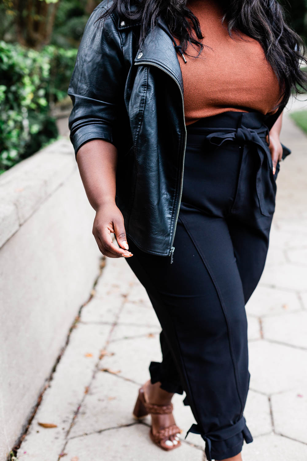 THAMARR, MUSINGS OF A CURVY LADY, JCPENNEY, LEVI'S, MOTO JACKET, PLUS SIZE MOTO, FALL FASHION, PLUS SIZE FALL OUTFIT